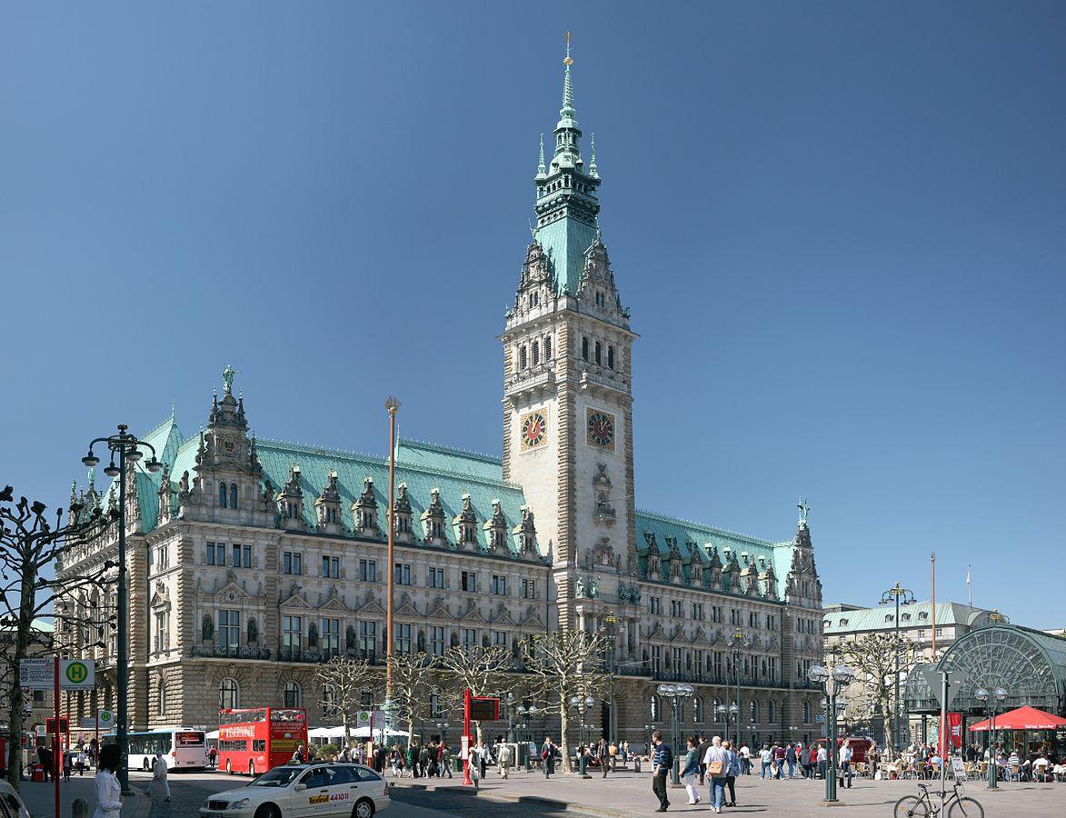 Seitenansicht des Hamburger Rathauses
