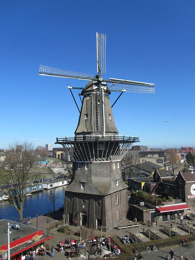 Die De Gooyer Windmühle von oben