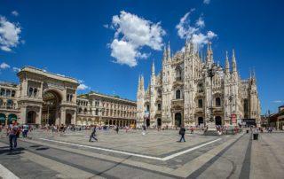Die Piazza del Duomo mit dem Mailänder Dom und der Viktor-Emanuel-Passage
