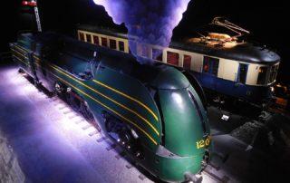 Historische Lokomotiven in der Train World